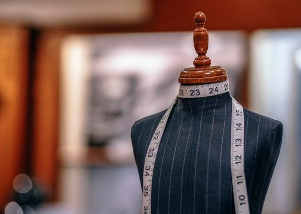 Vale a pena pedir empréstimo no banco para abrir uma loja de roupas?